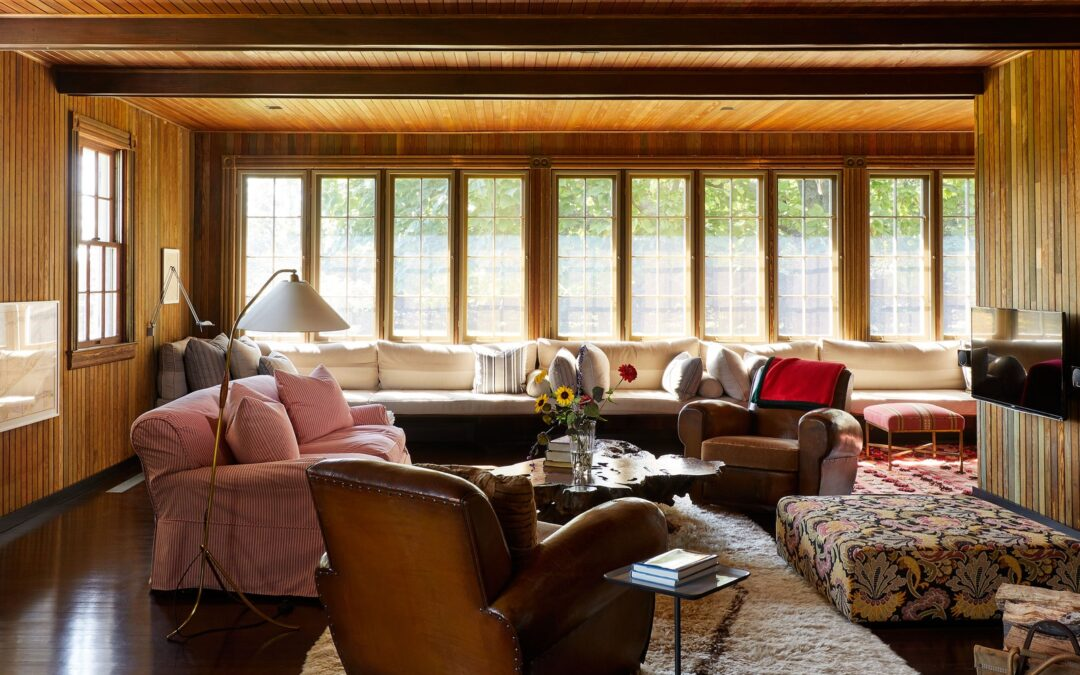 An understated beach house that artfully breaks convention in the Hamptons